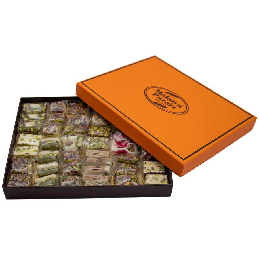 Turuncu Kutu Badem Ezmeli ve Fıstıklı Karışık Lokum 1100 g